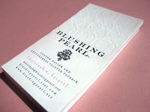 Carti vizita carton special ambosat folio grafica lux executie rapida toate orasele livrare expres publicitate campanii concerte evenimente