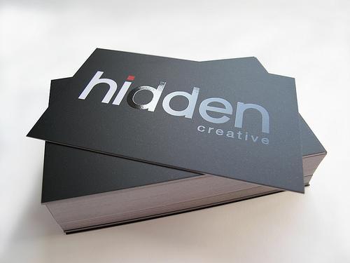 Carti vizita lacuire selectiva orice productie publicitara ambalaje personalizzate pixuri calendare brelocuri agende flyere